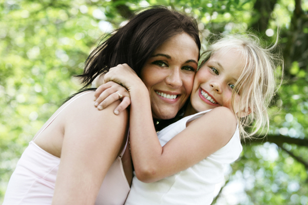 mom-hugging-daughter