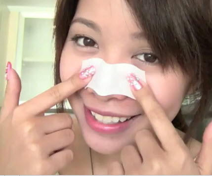 Michelle-Phan-Pore-strips-at-home
