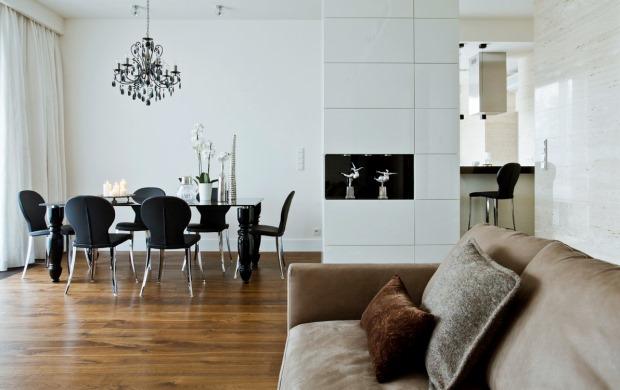 black-white-dining-room-idea-wood-floor
