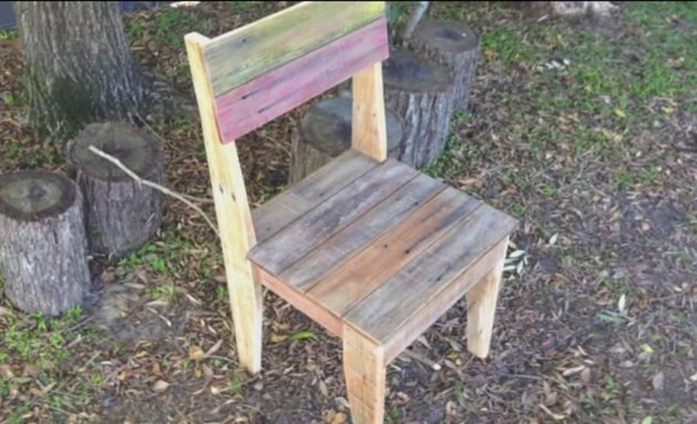 How to make chairs out of pallets for How to make furniture out of wood pallets