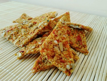 Carrot crackers in Hungarian style