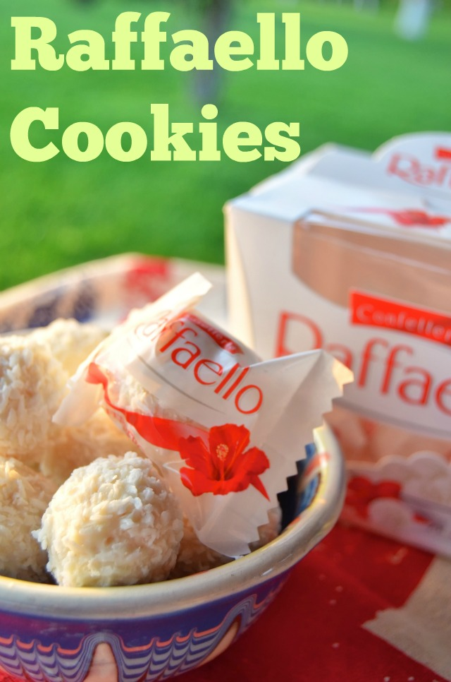 Raffaello Cookies - two recipes that are worth a try