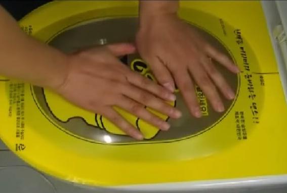 unclog-a-toilet