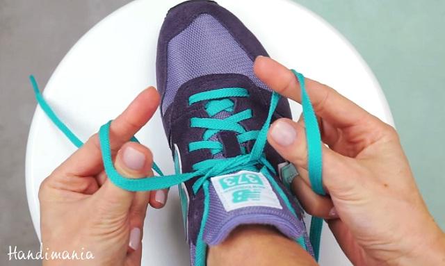 tie-your-shoelaces