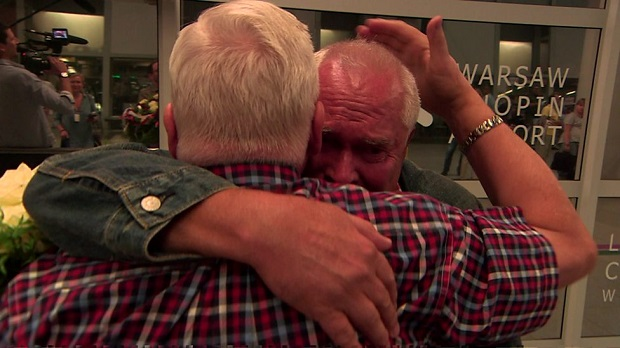 Separated twins meeting after 68 years of living apart