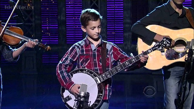 A 9 year old boy was invited to play the banjo, but nobody was expecting such an interpretation!