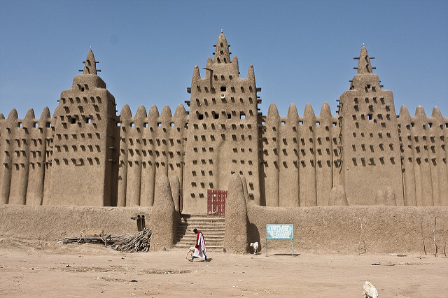 Seven wonders of the world you might have not heard about yet - The Great Mosque of Djenné, Mali