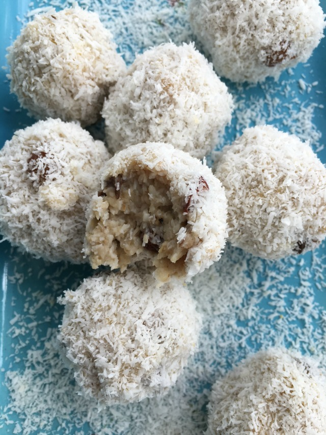 Coconut-Oatmeal Balls Recipe