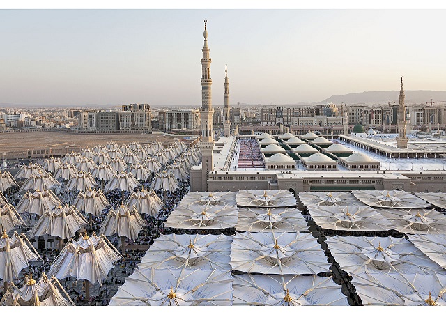 An architectural wonder: this is how Medina is protected from the heat with these umbrellas