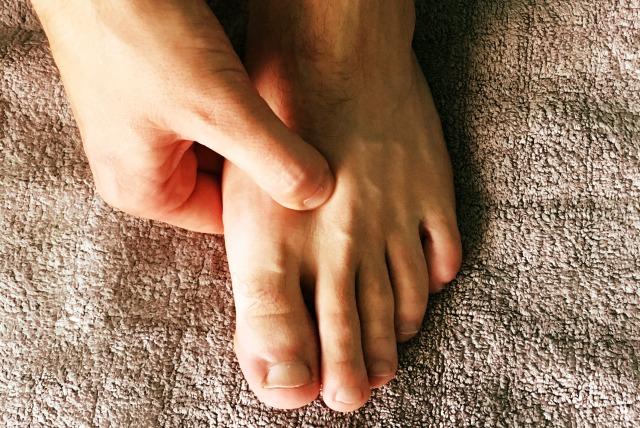 foot-acupressure-main.jpg