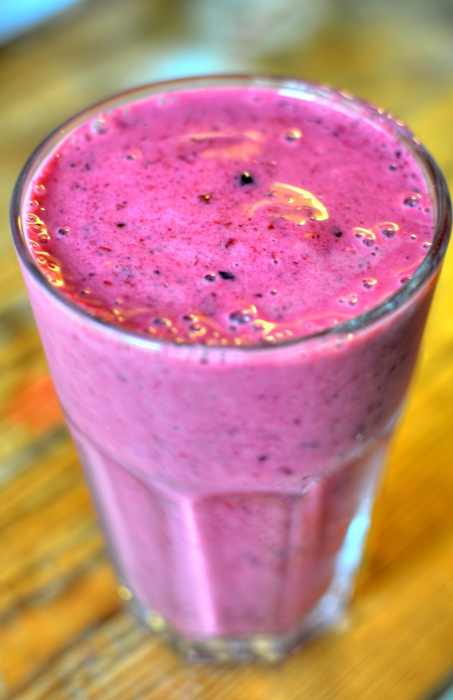 It is delicious, it looks great and it is very healthy. This smoothie will melt body fat