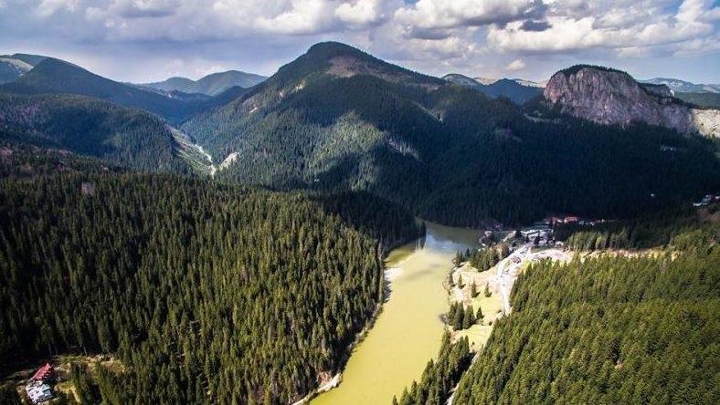 A wonderful aerial video of Rosu Lake and Bicazului Gorge, Romania