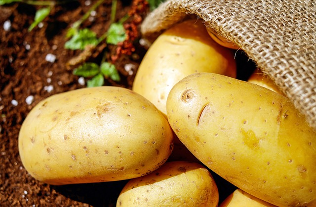 The 7 amazing benefits of potatoes for your skin and hair