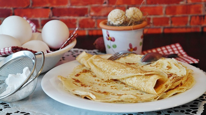 Kefir-based crepes - if you taste them, you won't want the traditional version again