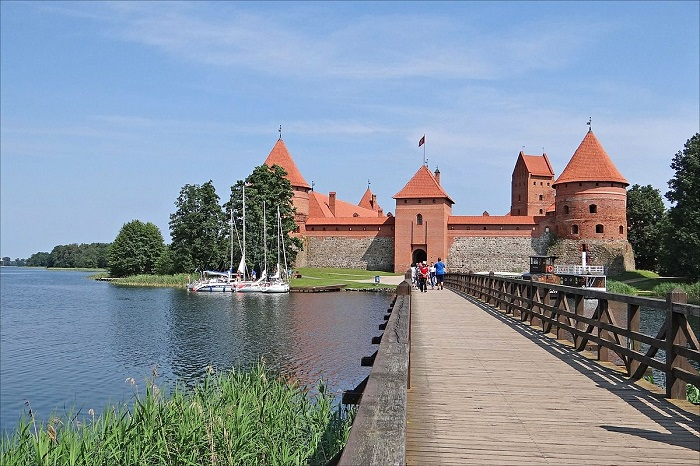 A historic castle surrounded by five lakes