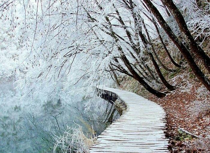 plitvice-lakes-winter.jpg