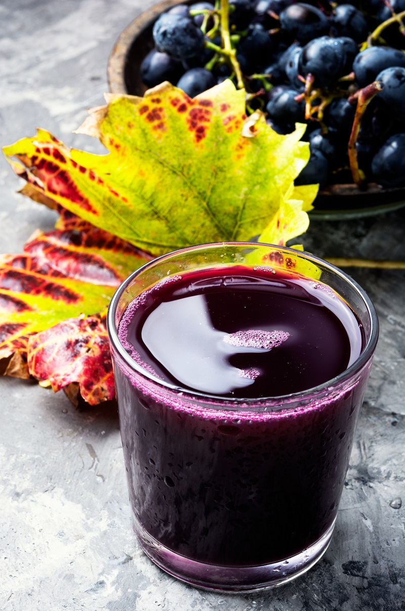 A cure with freshly squeezed grape juice to detoxify the body and burn fat