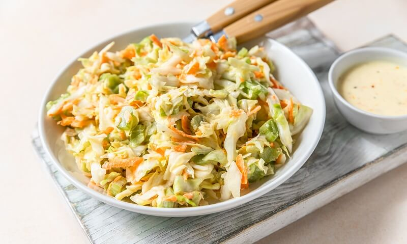 Cabbage and carrot salad with yogurt dressing