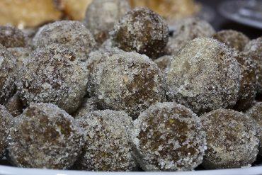 biscuit-balls.jpg