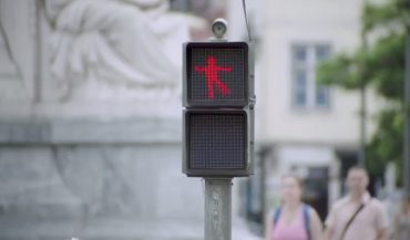 dancing-traffic-light.jpg