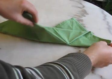 fold_napkins.jpg