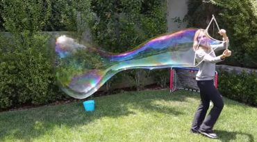 giant-soap-bubbles.jpg