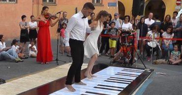 piano-dancers.jpg