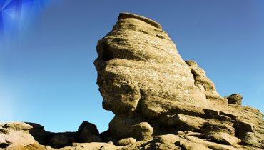 sfinx-muntii-bucegi.jpg